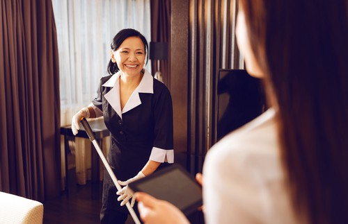 Part-Time Cleaners vs Full-Time Maids: A Comparative Analysis